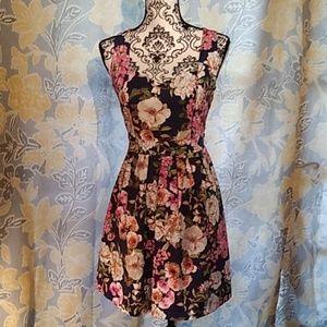 dress with heart shaped keyhole back